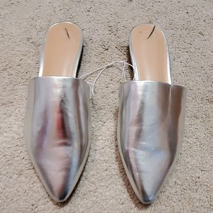 a new day silver loafers size 9